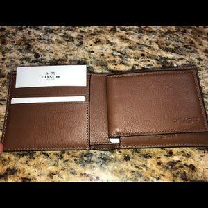 Man coach wallet